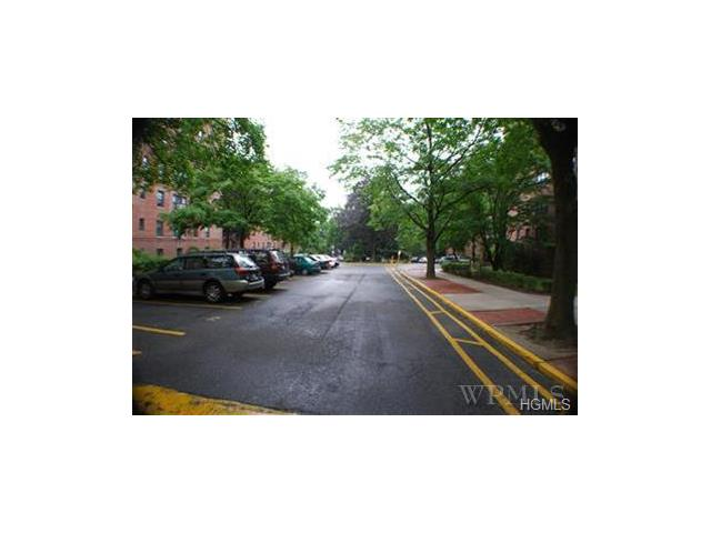 1 Fisher Drive #305, Mount Vernon, NY 10552