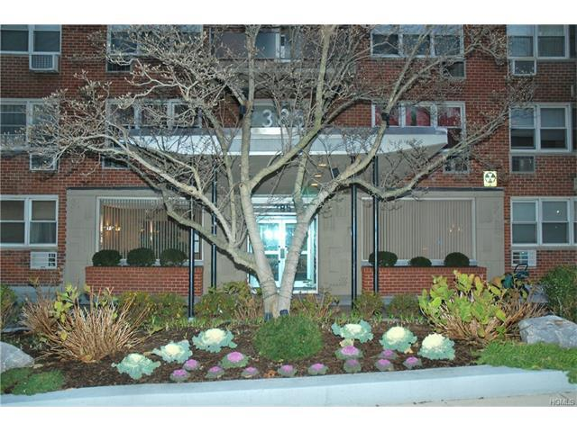 385 Mclean Ave #7-B, Yonkers, NY 10705