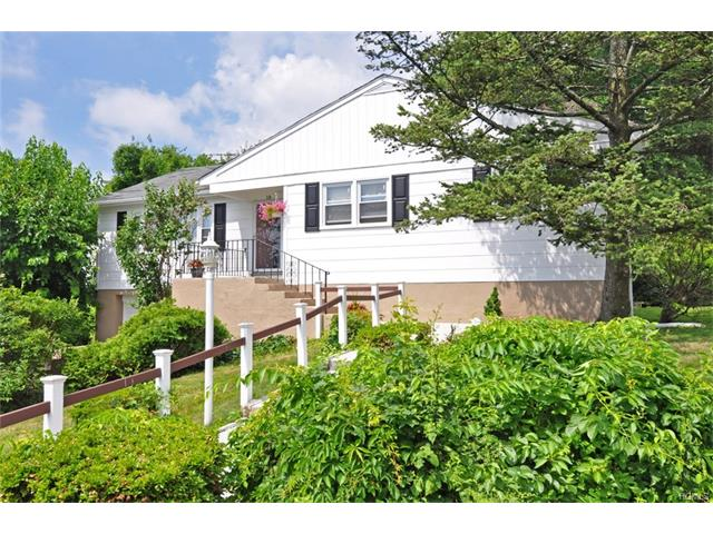 18 Entrance Court, Yonkers, NY 10710