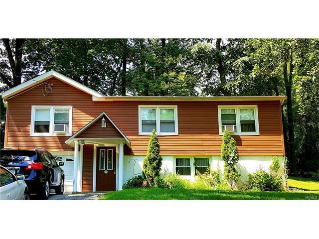 19 Spruce St, Lake Peekskill, NY 10537