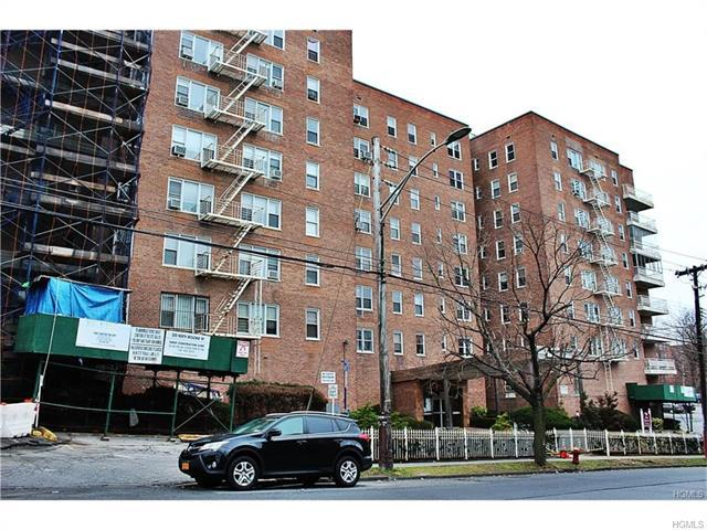 300 N Broadway #3L, Yonkers, NY 10701