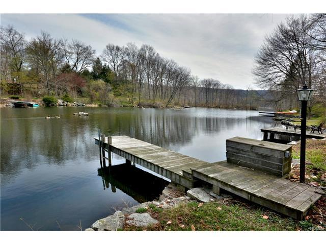 112 Lake Shore Rd, Putnam Valley, NY 10579