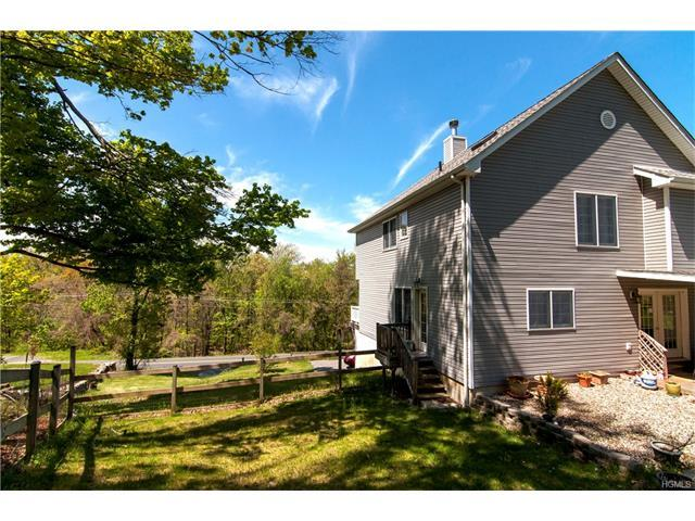 693 Mount Airy Rd, New Windsor, NY 12553