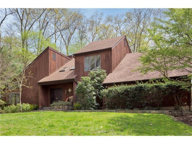 27 Highview Rd, Pound Ridge, NY 10576