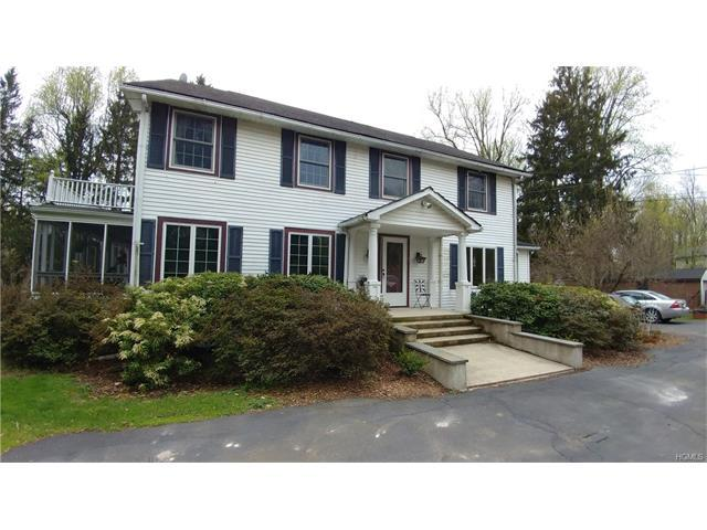 7 Louise Dr, New Windsor, NY 12553