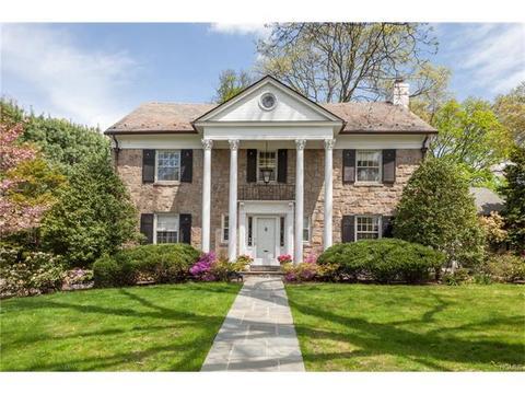 125 Burkewood Rd, Mount Vernon, NY 10552