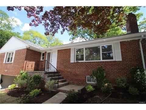 215 Moore St, Hartsdale, NY 10530