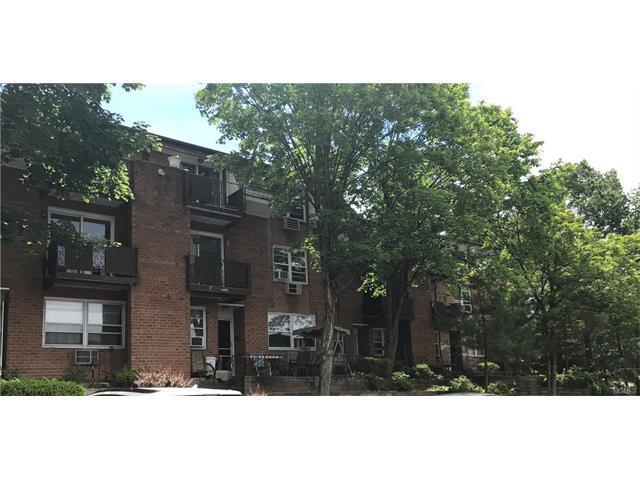 83 Kearsing Pkwy, Monsey, NY 10952
