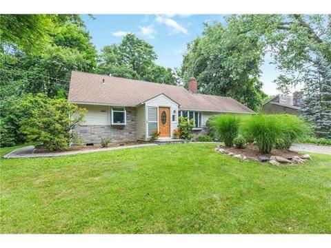 955 Knollwood Rd, White Plains, NY 10603
