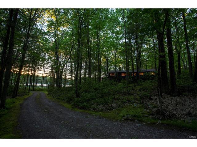 203 Lakeside Rd, Forestburgh, NY 12777
