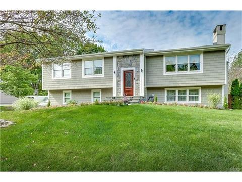 11 Marjorie Dr, Suffern, NY 10901
