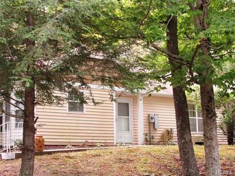198 Hidden Ridge Dr, Monticello, NY 12701