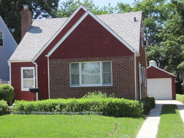 36 Botsford St, Hempstead, NY 11550