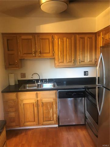 406 Old Country Rd, Greenburgh, NY