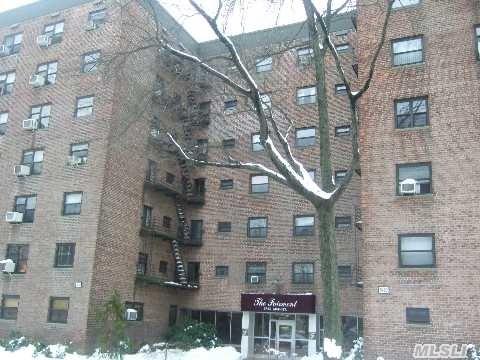 87-50 204 St #APT a34, Hollis, NY