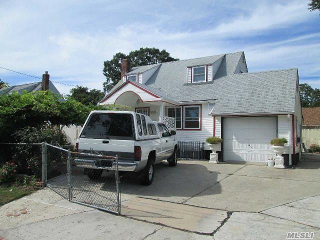 345 Irving St, Central Islip, NY 11722