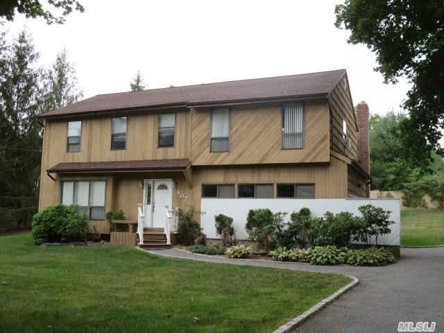 407 Townline Rd, Commack, NY
