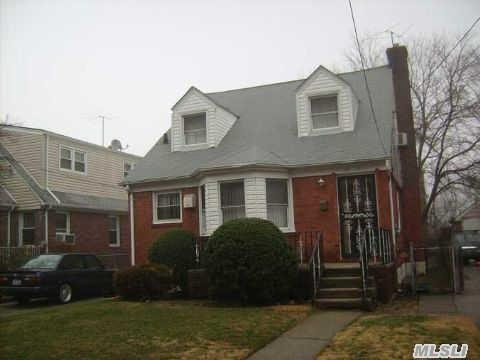 115-17 Parkway Dr, Elmont, NY 11003
