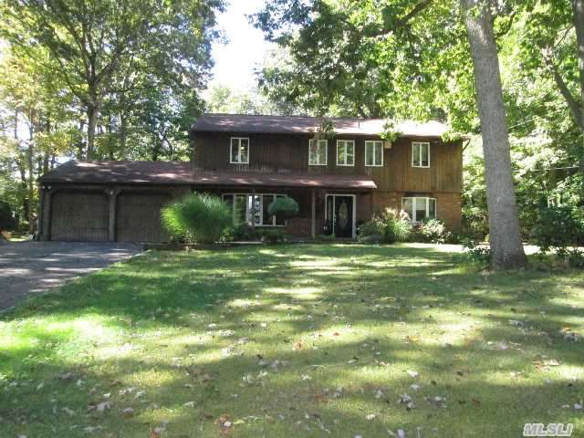 12 Landview Dr, Huntington Station, NY