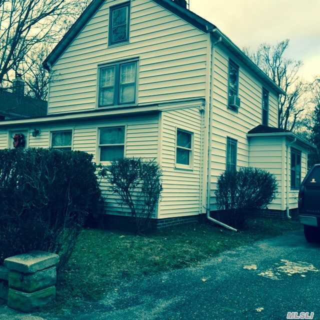 340 Maple Ave, Riverhead, NY