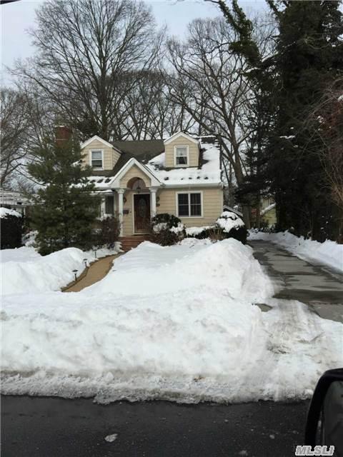 138 Delaware Ave, Freeport, NY