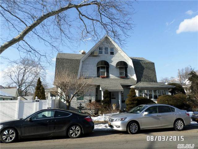 89-44 98th St, Woodhaven, NY