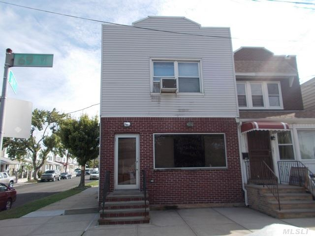 6904 61 Dr, Middle Village, NY