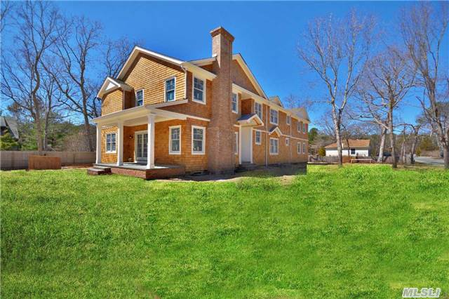 325 Montauk Hwy, East Quogue, NY