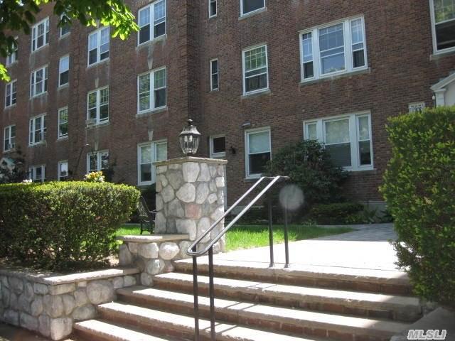 4 Mulford Pl #APT 4e, Hempstead, NY