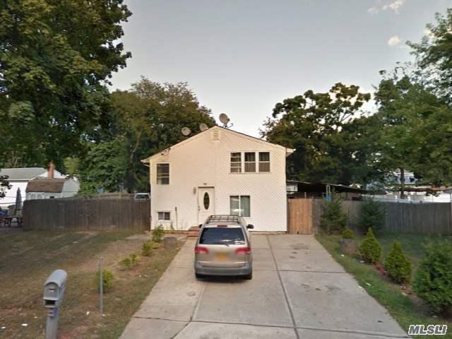 19 S 29th St, Wyandanch, NY