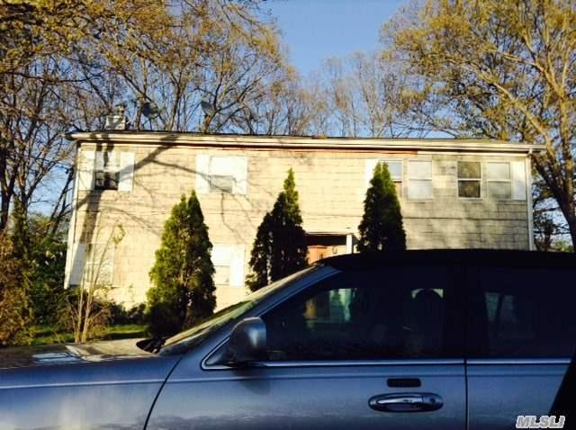 51 Eastwood Rd, Deer Park, NY