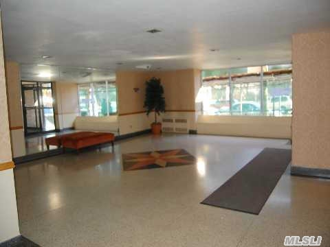 6188 Dry Harbor Rd, Middle Village, NY