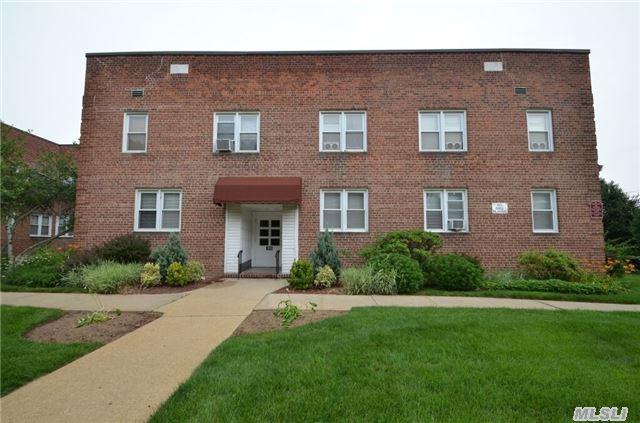 159 Smith St #APT G8, Freeport, NY