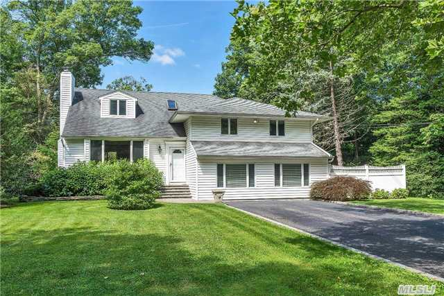 6 Landview Dr, Huntington Station, NY