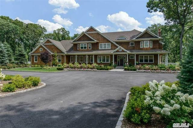 776 Muttontown Woods Ct, Syosset, NY