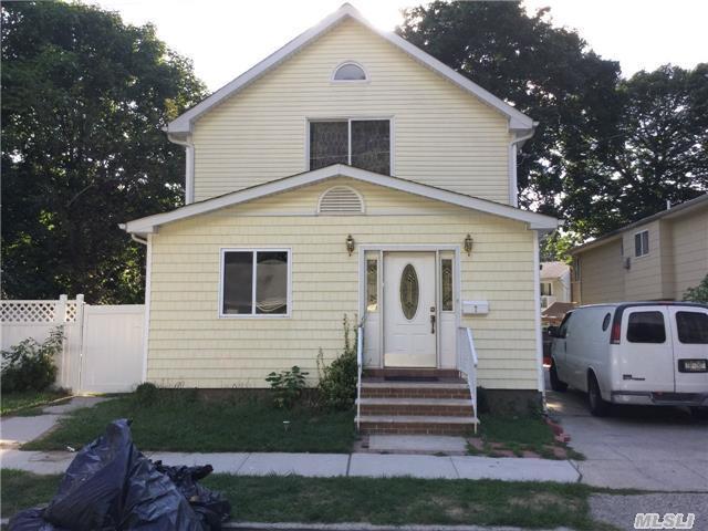 7 Tyler Rd, West Hempstead, NY 11552