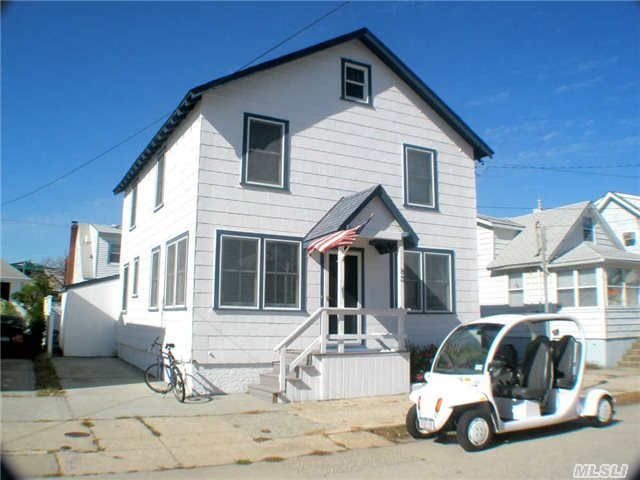 83 Baldwin Ave, Point Lookout, NY