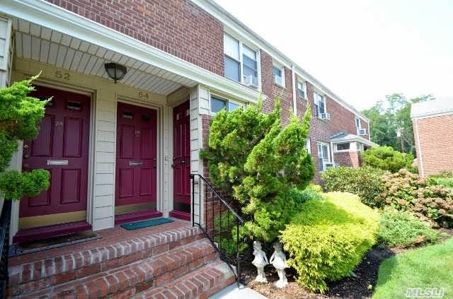 54 Edwards St #APT 1b, Roslyn Heights, NY