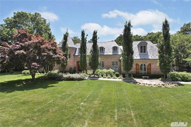 5 Knutson Court Ct, Huntington, NY
