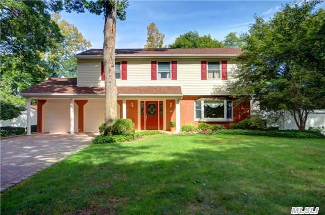 21 Roderick Ct, East Northport, NY