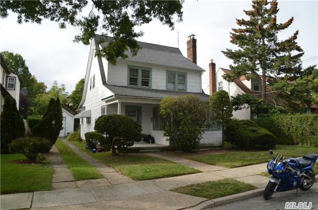 898 Newton Ave, Baldwin, NY
