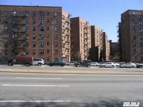 83-75 Woodhaven Blvd #APT 6H, Woodhaven NY 11421