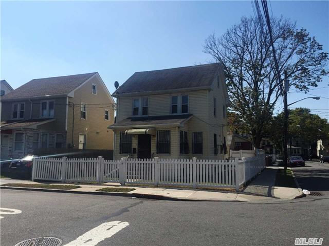 220-02 108th Ave, Queens Village, NY