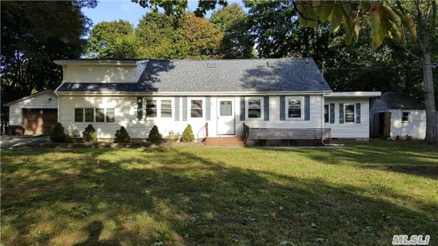 443 Miller Place Rd, Miller Place, NY