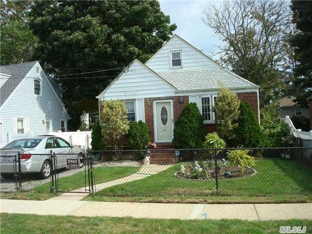 144 Mason St, Hempstead, NY