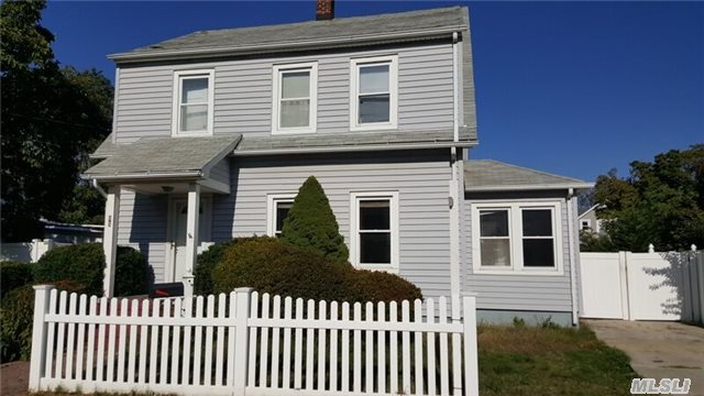 96 e old country rd hicksville ny 11801 mls 2828948 for 14 terrace place hicksville ny