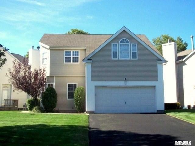 36 Sunflower Ridge Rd, South Setauket, NY 11720