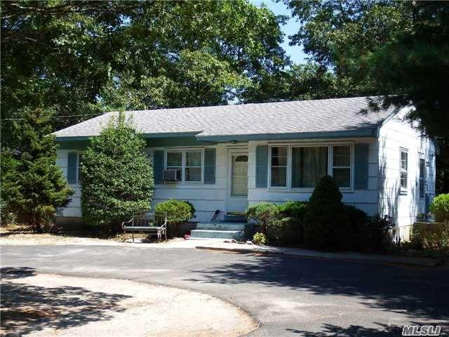 2786 Quogue Riverhead Rd, East Quogue, NY 11942