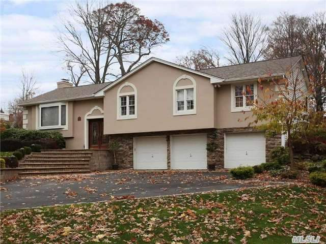 9 Capel Dr, Huntington Station, NY