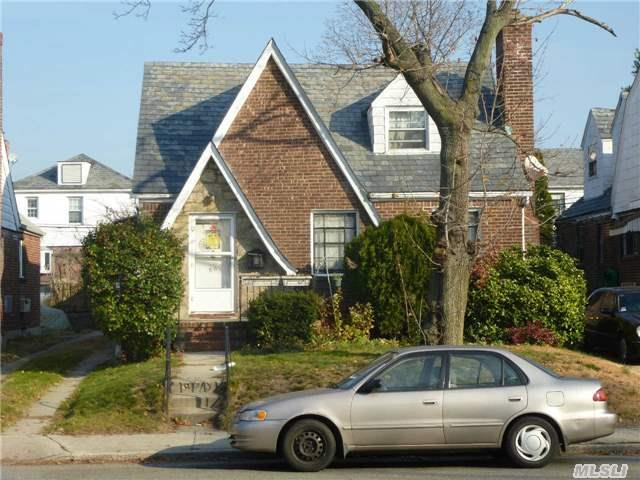 10 Hill Rd, Port Washington, NY